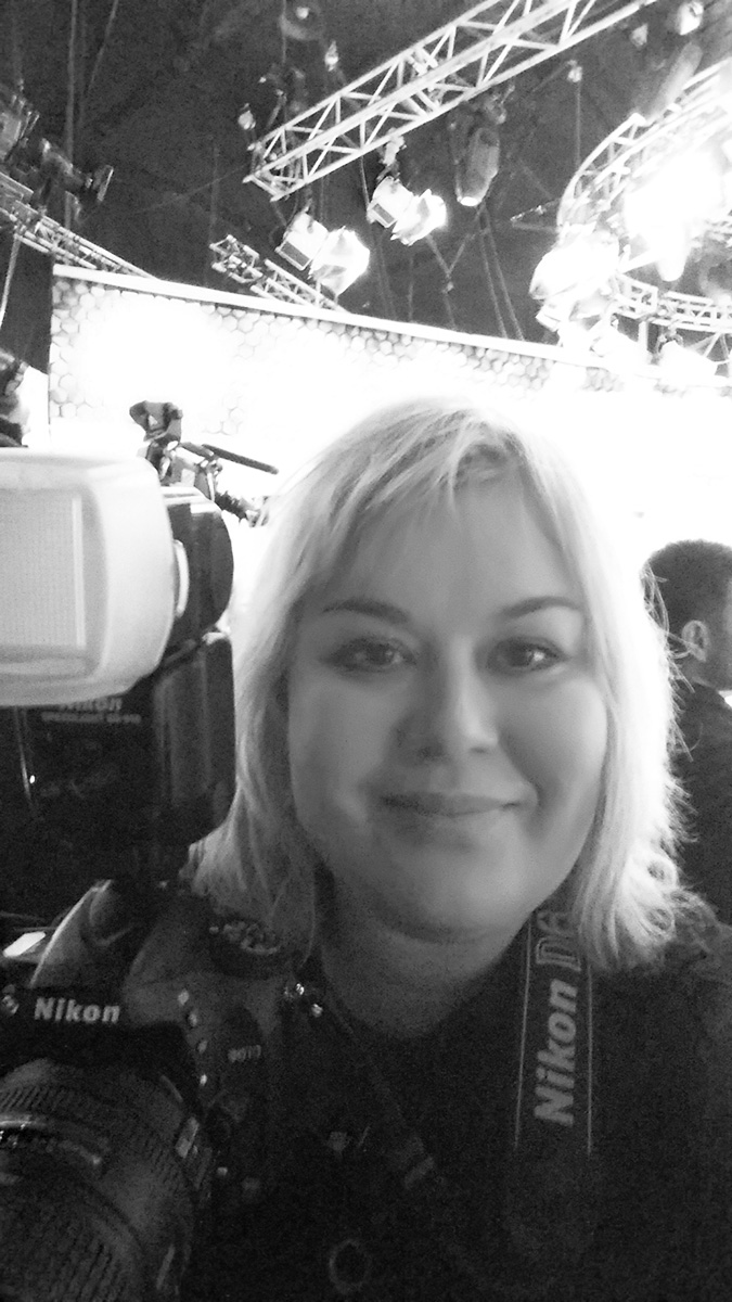 "2016 г., Светлана Мурси-Гудёж на съемках программы ""Зеркало для героя"" Оксаны Пушкиной на НТВ"